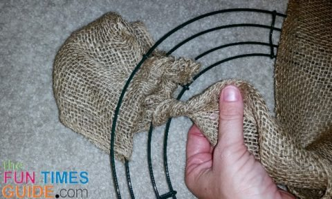 burlap-wreath-twist