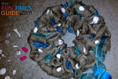 burlap-wreath-with-sheer-ribbon