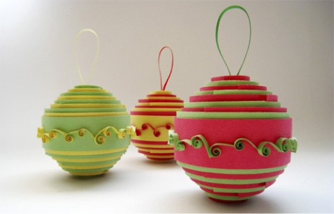 colorful-rolled-paper-ornaments