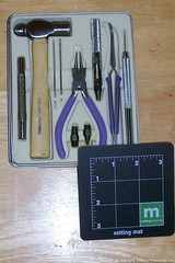 eyelet-tool-kit-for-craft-projects.jpg