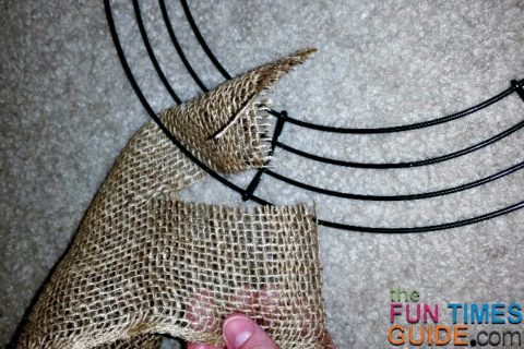 making-a-burlap-wreath-tie-the-burlap