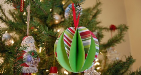 paper-ball-ornaments