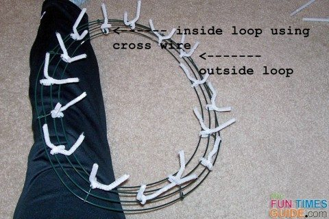 pipe-cleaner-twists-on-wire-wreath-frame