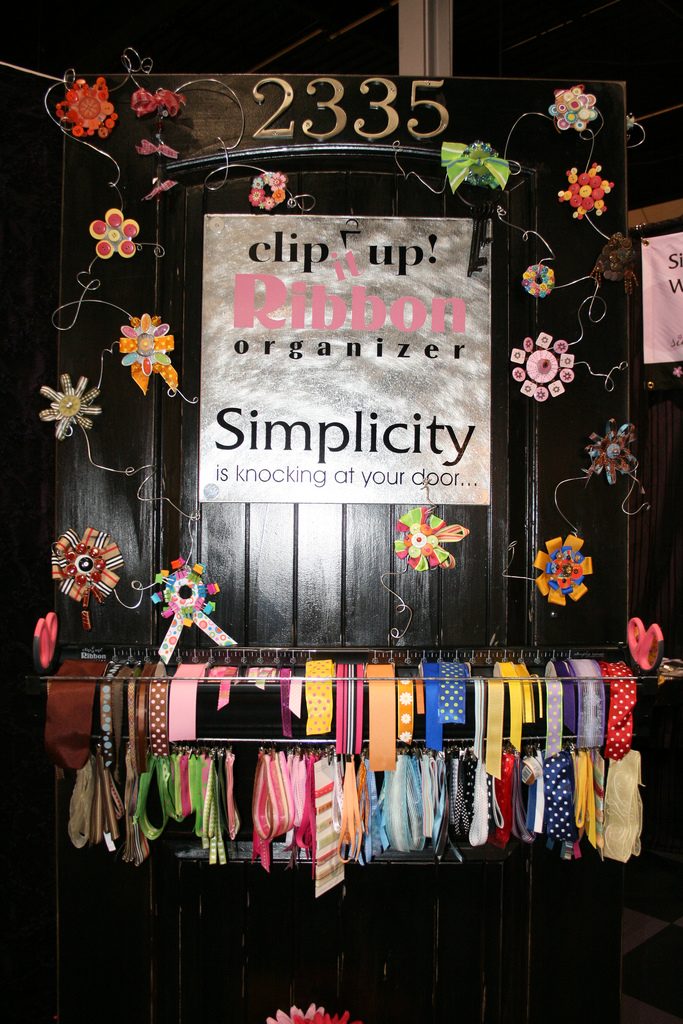 Diy ribbon organizers you can make yourself us one you can buy clip it up ribbon organizer by shopping diva solutioingenieria Image collections